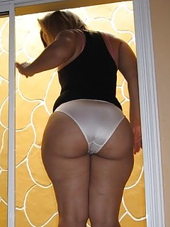 Big Ass Panties Pics